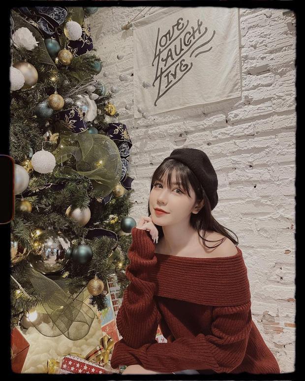 Đêm Noel của hot girl Việt: Kelly được tặng tiền trăm triệu, Linh Miu diện đồ hở hang-3