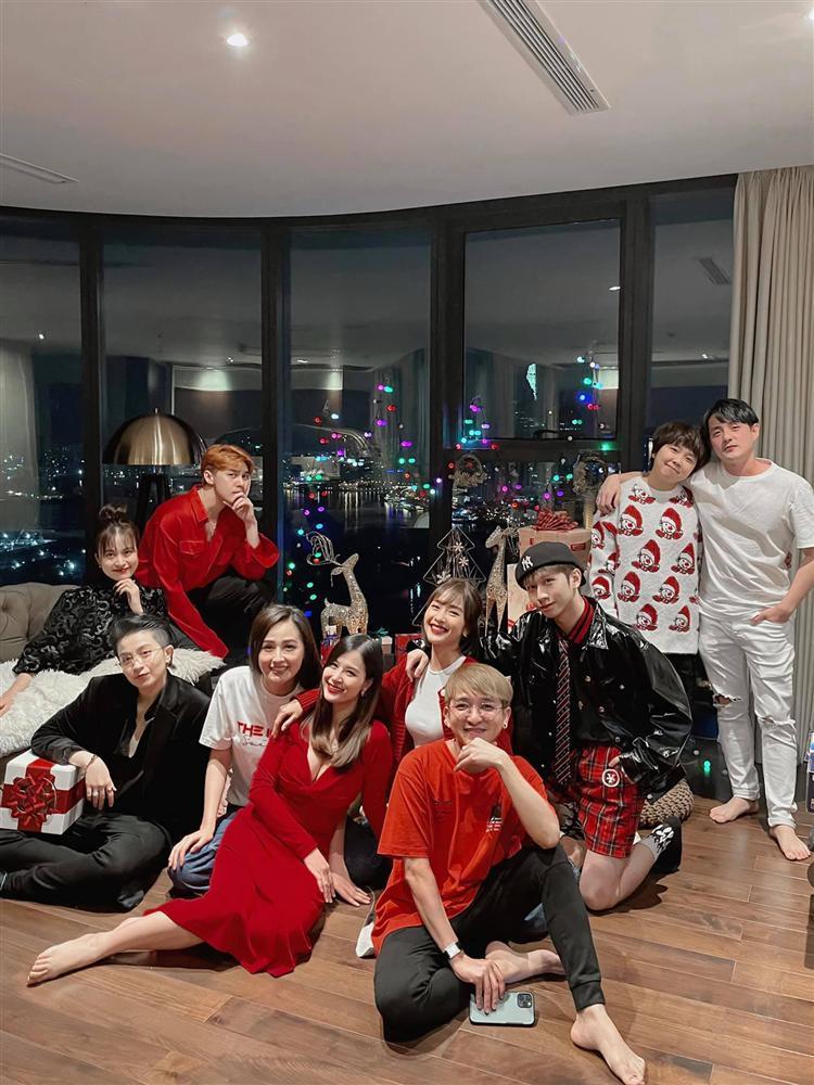 Gia đình văn hóa đón Giáng sinh: Vòng 1 Đông Nhi đánh bay sức nóng 4 người-1