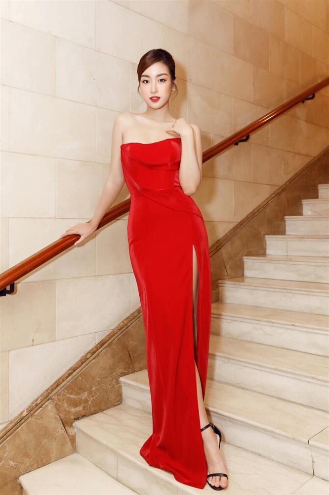 Đỗ Thị Hà đụng hàng váy xẻ cao với Đỗ Mỹ Linh, fan thả tim tới tấp cho cả hai nàng hậu-8