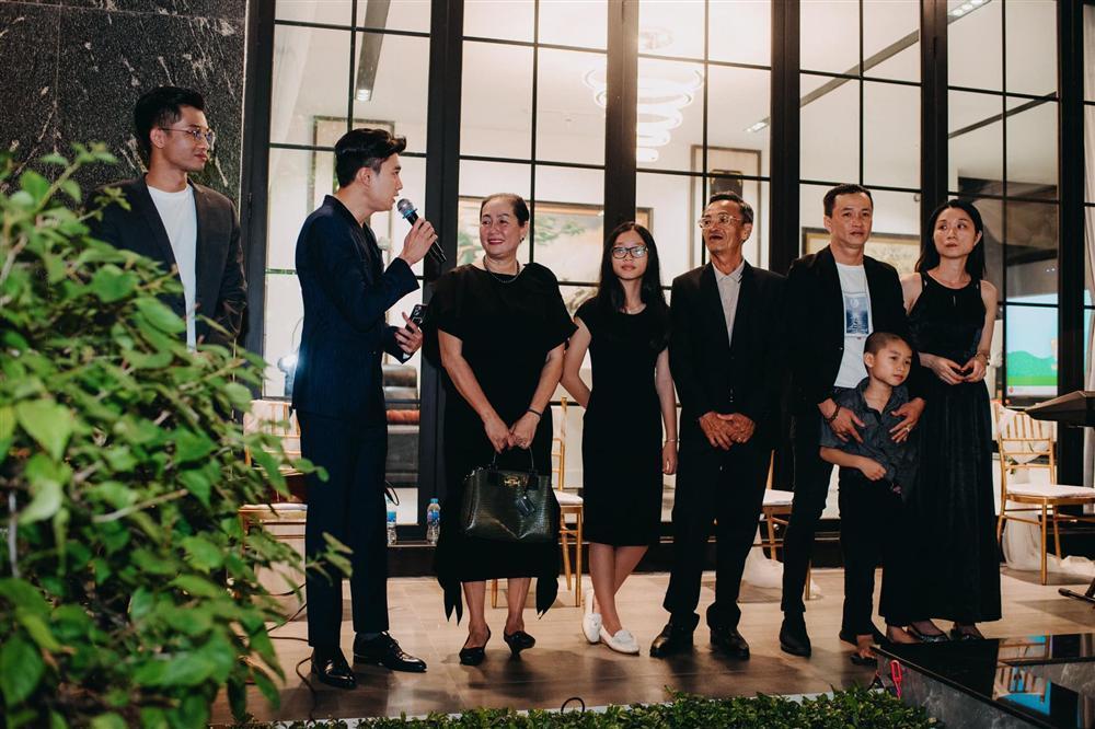 Tiệc kỷ niệm 40 cưới cực hoành tráng của bố mẹ Quốc Trường-14