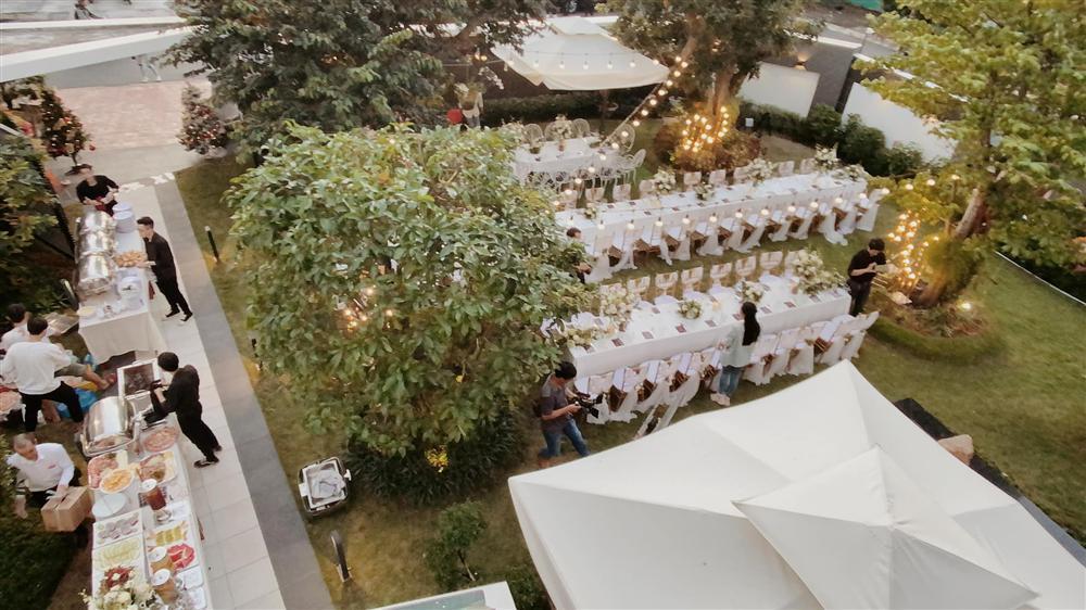 Tiệc kỷ niệm 40 cưới cực hoành tráng của bố mẹ Quốc Trường-5