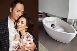 Con trai Thu Trang ngủ bồn tắm khi vào khách sạn với bố mẹ
