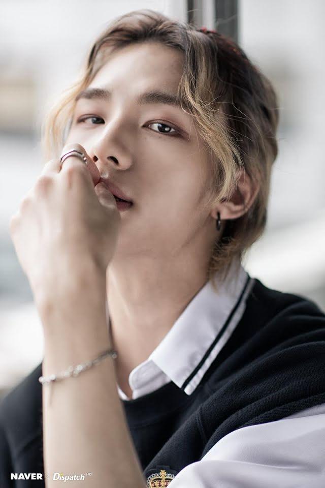 23 nam idols đẹp nhất thế giới: Jungkook nhường lại ngôi vương, tân binh vượt luôn Jin BTS-12