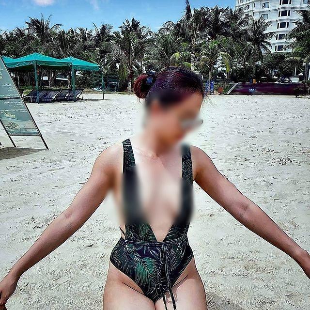 Người phụ nữ ngực trần lại gây xôn xao khi mặc áo xuyên thấu đi khắp Sài Gòn-7