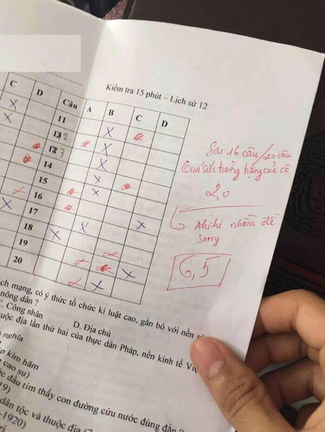 Chấm nhầm đề còn mắng học sinh xối xả, bật cười với lời xin lỗi của cô giáo-1