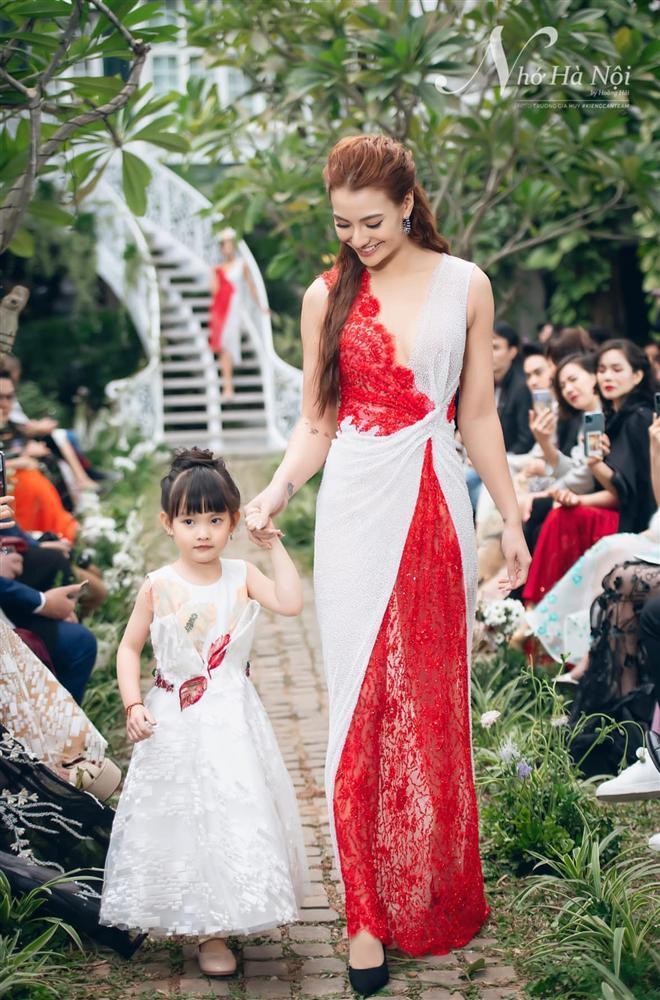 Hồng Quế không muốn con gái õng ẹo theo nghề mẹ-2