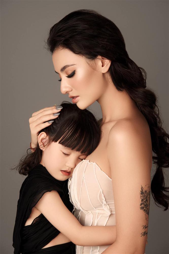 Hồng Quế không muốn con gái õng ẹo theo nghề mẹ-1