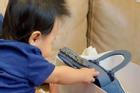 Con gái Cường Đô La mới 4 tháng đã ngồi vững, nhìn món đồ hiệu cô bé nghịch là biết cuộc sống sang chảnh cỡ nào