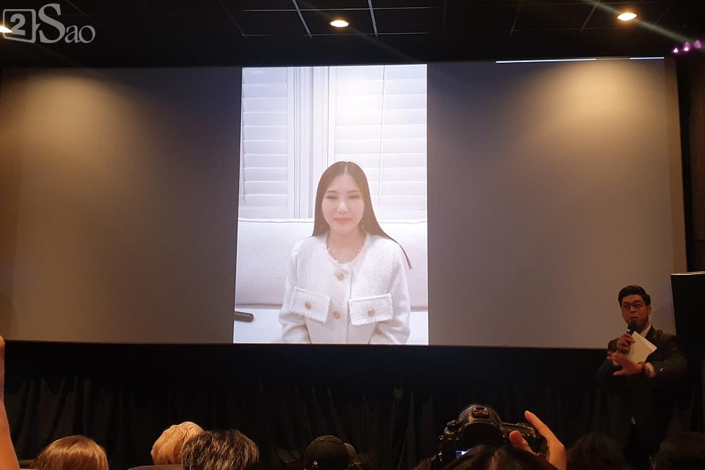 Hương Tràm gửi lời xin lỗi đến gia đình vì không thể về Việt Nam ăn Tết-1