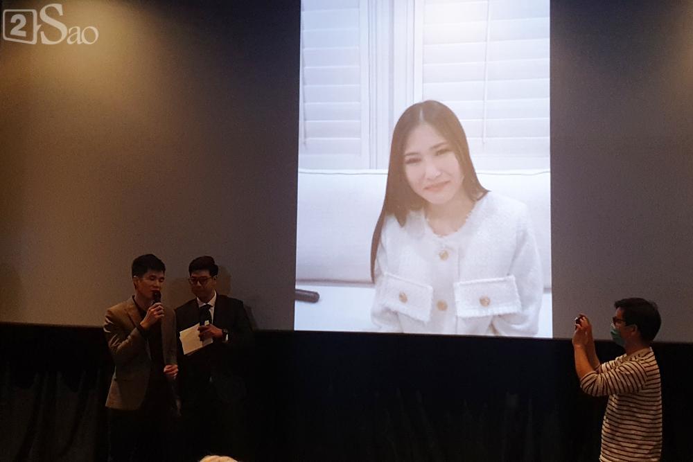 Hương Tràm gửi lời xin lỗi đến gia đình vì không thể về Việt Nam ăn Tết-2