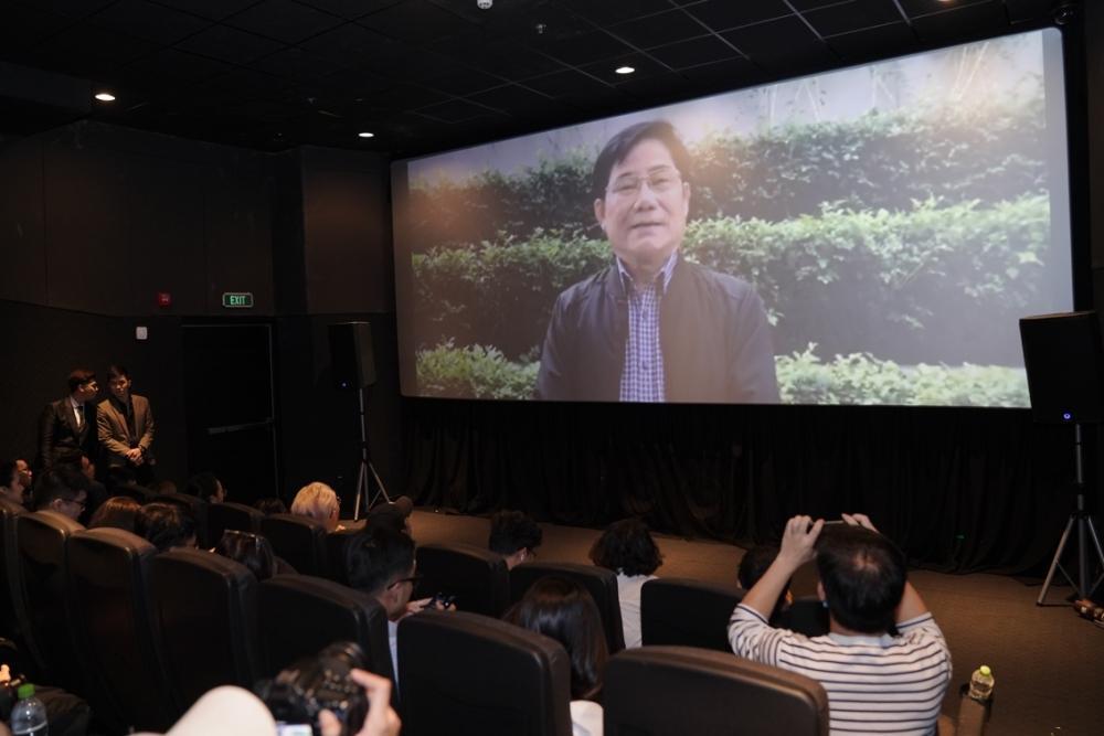 Hương Tràm gửi lời xin lỗi đến gia đình vì không thể về Việt Nam ăn Tết-3