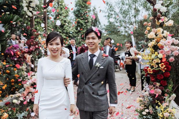 Đầu 2021, Công Phượng mở bát lộ loạt ảnh đẹp long lanh với Viên Minh sau 3 siêu đám cưới-4