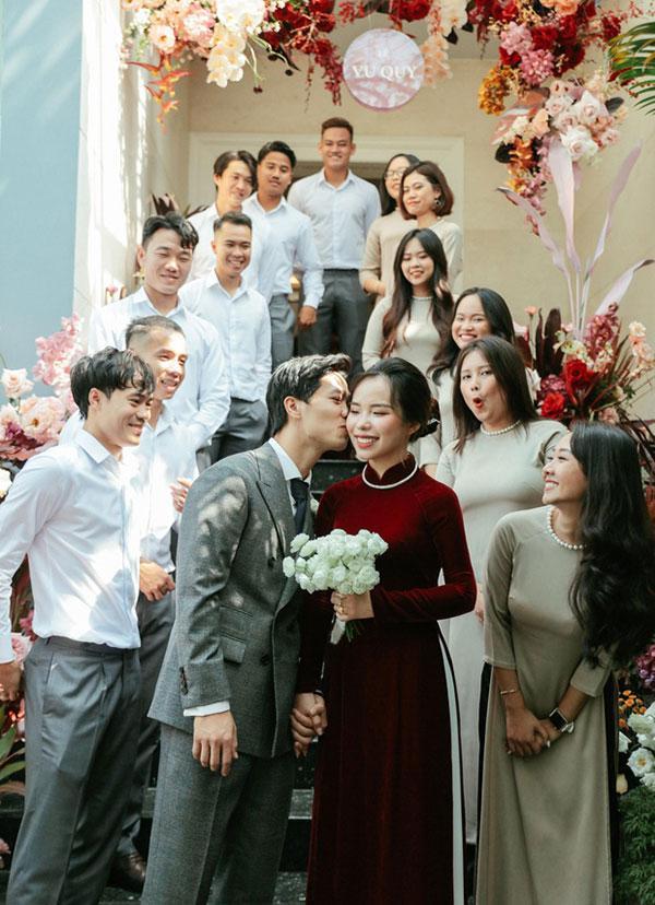 Đầu 2021, Công Phượng mở bát lộ loạt ảnh đẹp long lanh với Viên Minh sau 3 siêu đám cưới-6