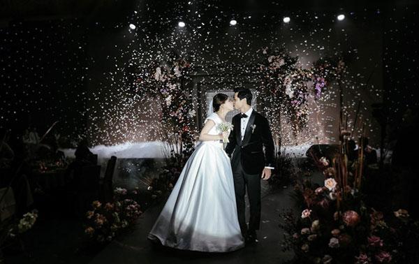 Đầu 2021, Công Phượng mở bát lộ loạt ảnh đẹp long lanh với Viên Minh sau 3 siêu đám cưới-9