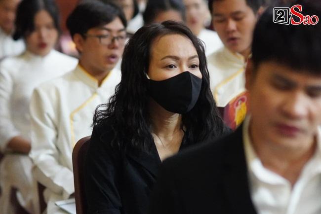 Tang lễ Vân Quang Long tại Việt Nam: Vợ ôm di ảnh, Việt Hương u buồn-8