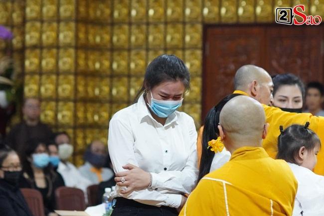 Xót xa cảnh vợ cũ - vợ mới cùng 3 con chịu tang Vân Quang Long-5