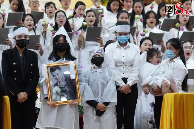Xót xa cảnh vợ cũ - vợ mới cùng 3 con chịu tang Vân Quang Long-9