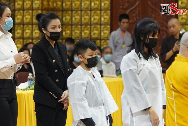Xót xa cảnh vợ cũ - vợ mới cùng 3 con chịu tang Vân Quang Long-1