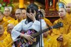 Hát tiễn bố, con gái Vân Quang Long khóc lạc giọng