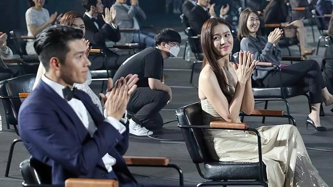 Xem bói tương lai của Son Ye Jin - Hyun Bin: Giờ chỉ còn chờ đám cưới?-11
