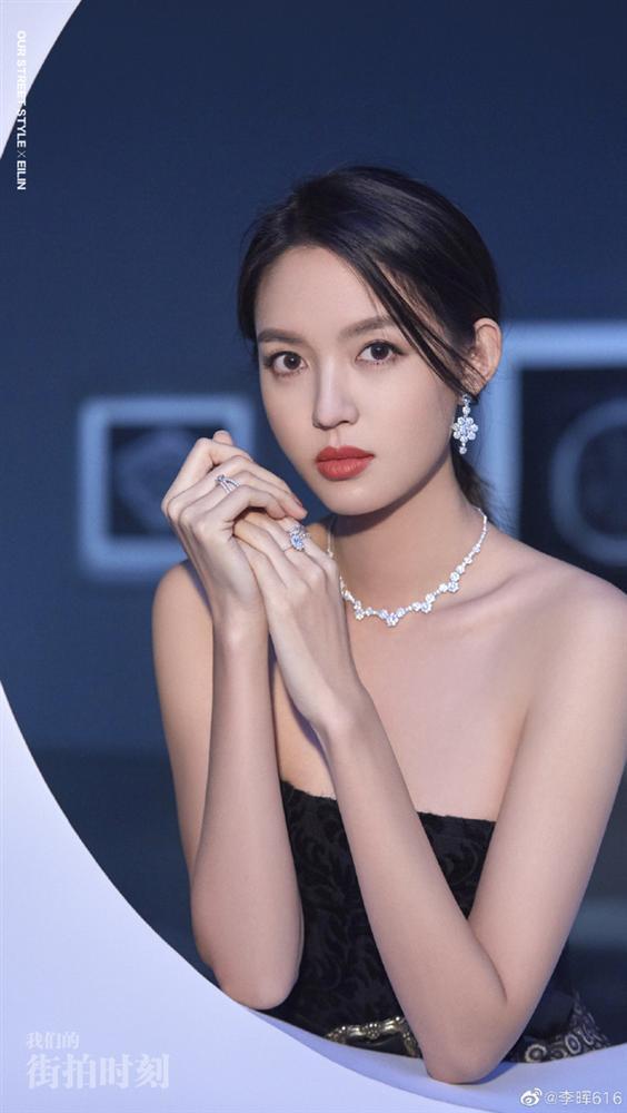 MC Tạ Na và hoa hậu Trương Tử Lâm cùng thông báo mang thai-3