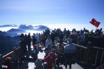 Nhiệt độ xuống -4 độ C, biển người chen nhau trên đỉnh Fansipan chờ băng tuyết-15