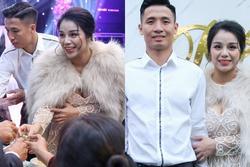 Bùi Tiến Dũng giản dị hết cỡ, Khánh Linh mặc váy o ép vòng 1 bức thở trong ngày cưới