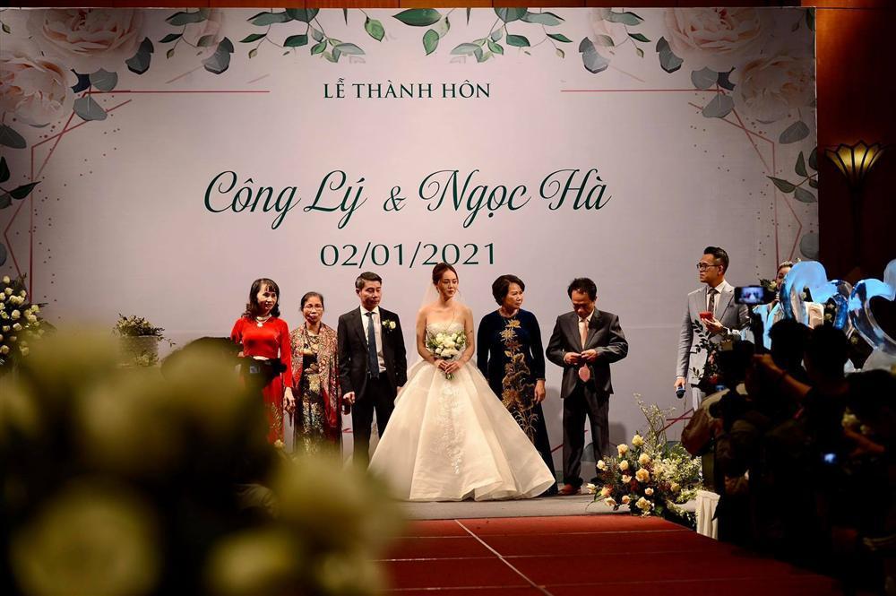Vì sao bố đẻ không xuất hiện trong đám cưới NSND Công Lý?-1
