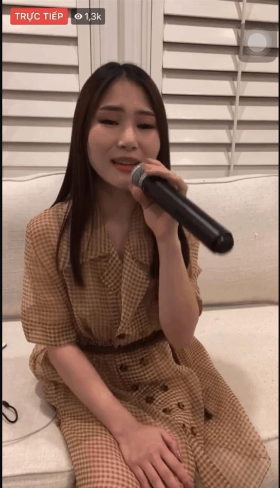 Hương Tràm hát live cực mượt ca khúc mới, dân mạng lại tiếp tục gọi tên Chi Pu-1