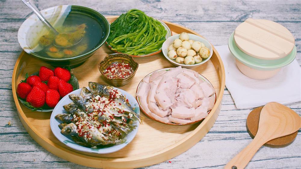 Giữ gìn tâm hồn quê hương với mâm cơm Việt của mẹ đảm trên đất Nhật-2