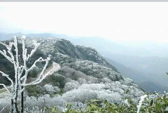 Thử một lần chịu rét để ngắm những thiên đường băng tuyết cực đẹp ở Việt Nam-1