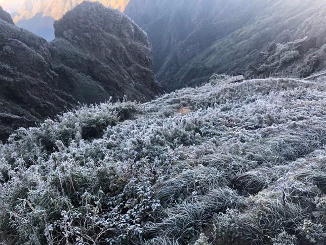 Thử một lần chịu rét để ngắm những thiên đường băng tuyết cực đẹp ở Việt Nam-12