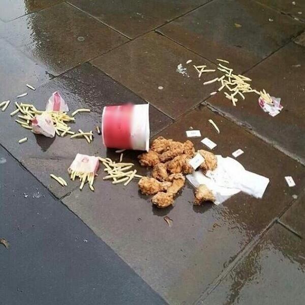 Những bức ảnh phát ra tiếng khóc, đồ ăn đến miệng rồi mà còn bị rơi-4