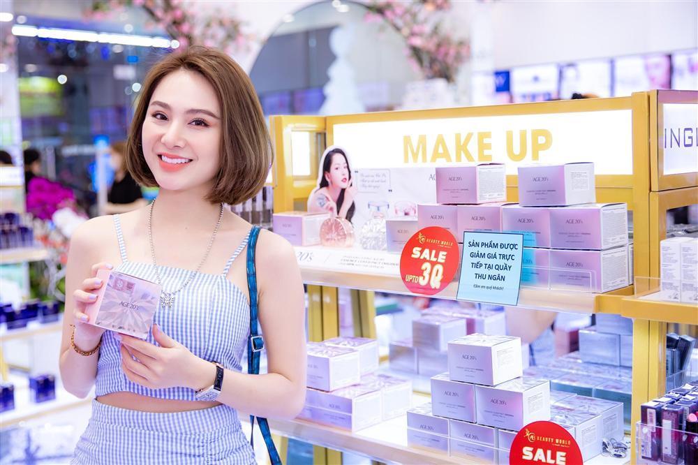 Chi Pu lộng lẫy dự khai trương chi nhánh mới AB Beauty World-2