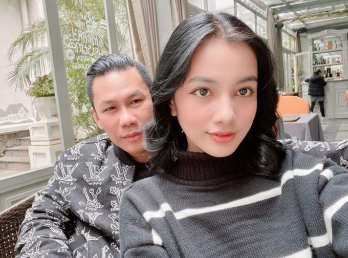 Chồng cũ Lệ Quyên đang hẹn hò người đẹp Hoa hậu Việt Nam-2