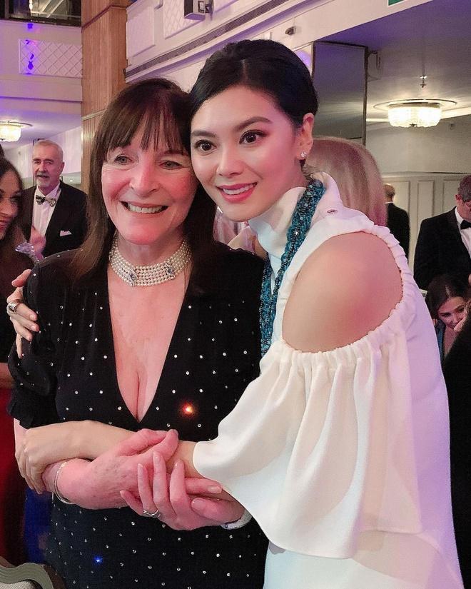Đời đối lập của Hoa hậu Thế giới Trương Tử Lâm và Vu Văn Hà-8