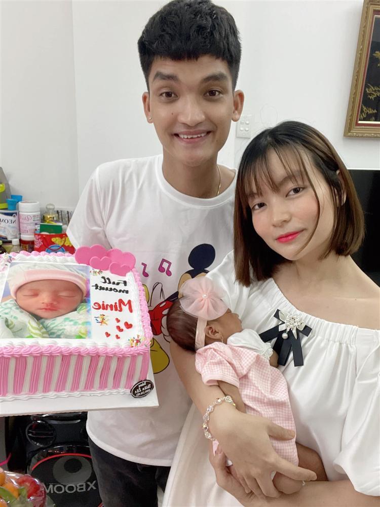 1 tháng tuổi đã được tặng trăm triệu, con gái Mạc Văn Khoa nhập hội rich kid-1
