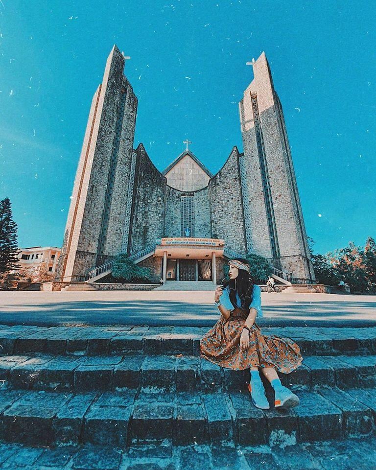 Đổi gió check-in ngay tại nhà thờ có kiến trúc đẹp như châu Âu ở Huế mộng mơ-5