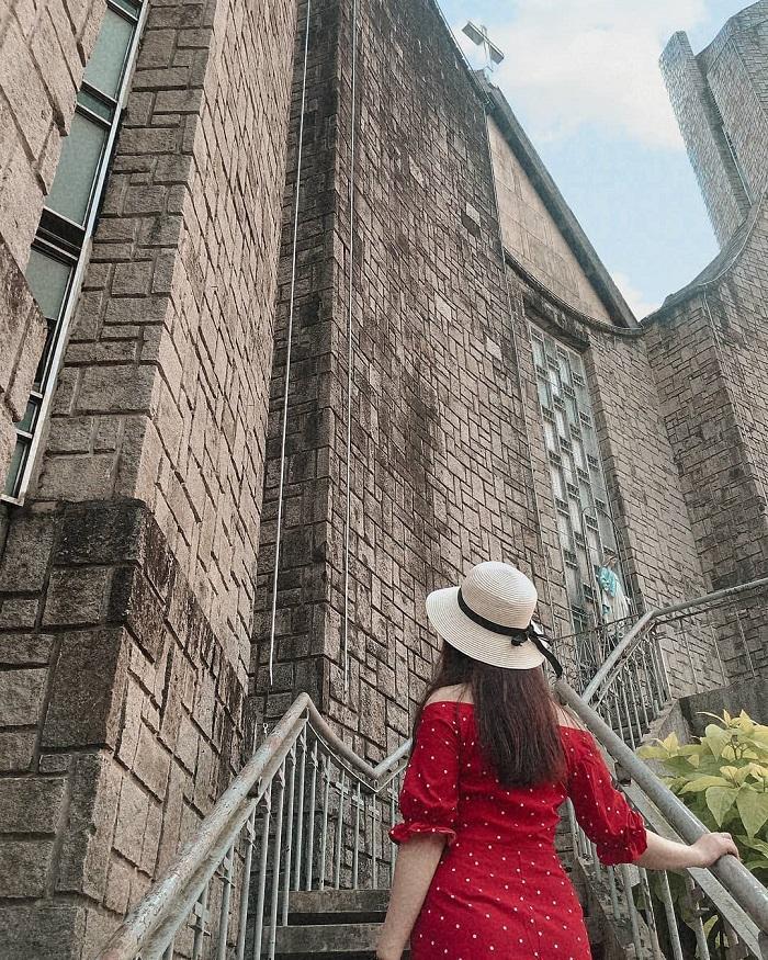 Đổi gió check-in ngay tại nhà thờ có kiến trúc đẹp như châu Âu ở Huế mộng mơ-9