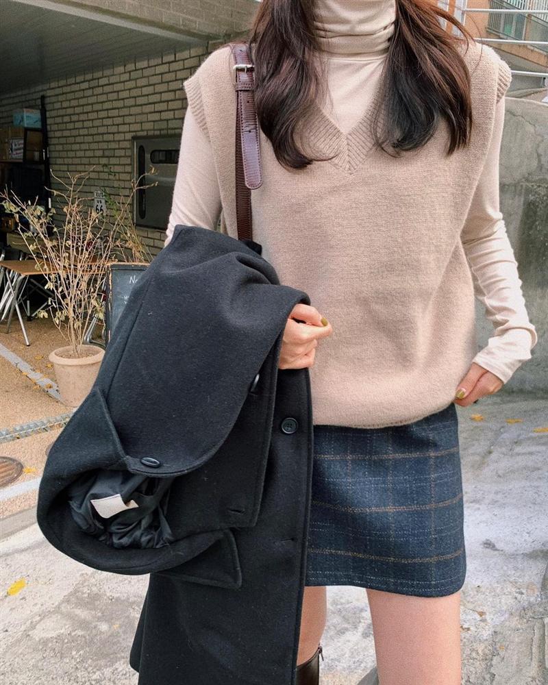 Học Jennie, Rosé BLACKPINK biến hóa phong cách với gile len-9