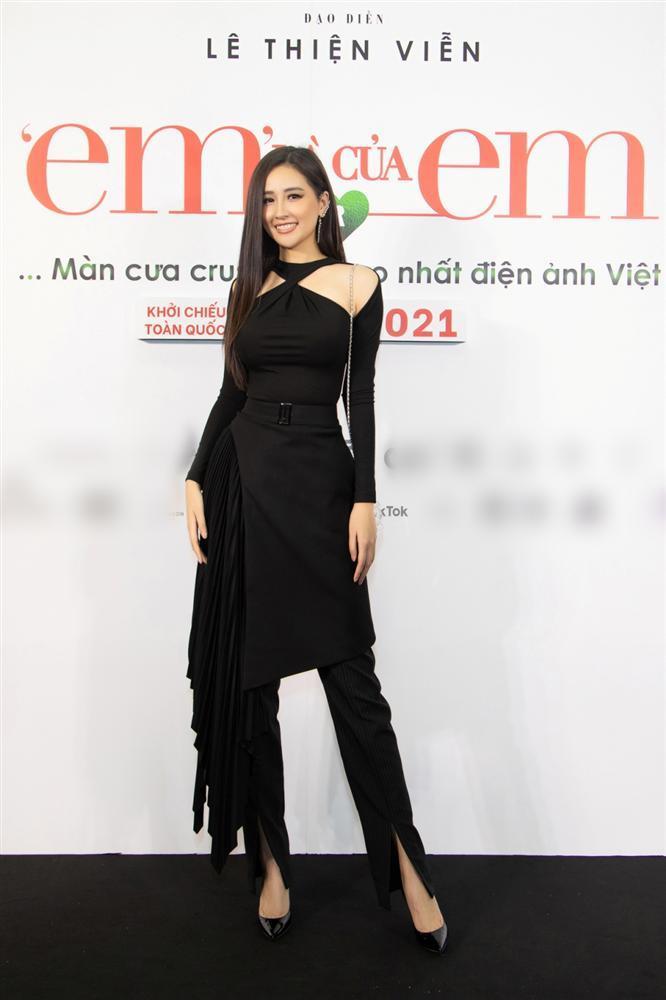 Nửa showbiz đến xem Ngô Kiến Huy giả gái: Mai Phương Thúy đẹp lấn át Hoa hậu Việt Nam-2