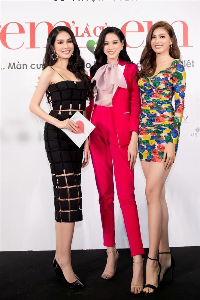Nửa showbiz đến xem Ngô Kiến Huy giả gái: Mai Phương Thúy đẹp lấn át Hoa hậu Việt Nam-4