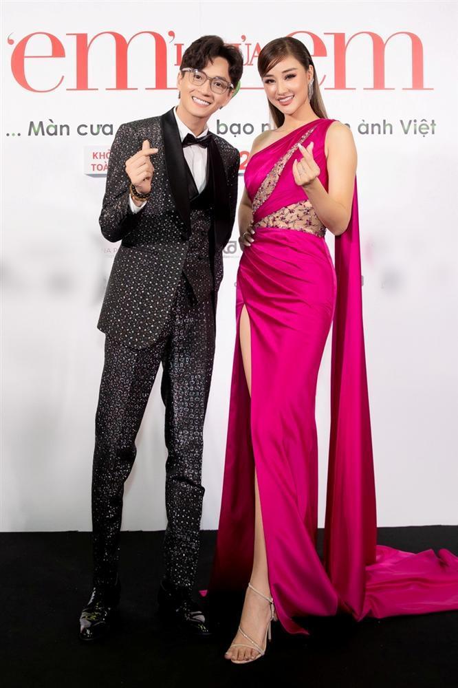 Nửa showbiz đến xem Ngô Kiến Huy giả gái: Mai Phương Thúy đẹp lấn át Hoa hậu Việt Nam-6