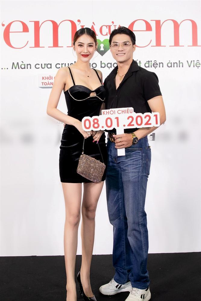 Nửa showbiz đến xem Ngô Kiến Huy giả gái: Mai Phương Thúy đẹp lấn át Hoa hậu Việt Nam-17