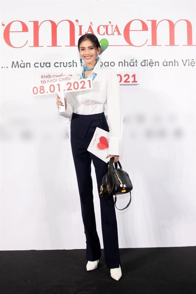 Nửa showbiz đến xem Ngô Kiến Huy giả gái: Mai Phương Thúy đẹp lấn át Hoa hậu Việt Nam-18