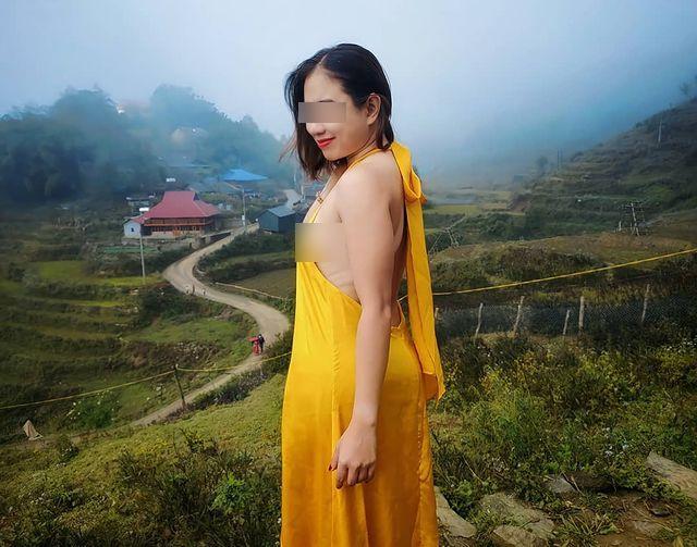Người phụ nữ mặc váy khoét lưng, lộ vòng 1 phản cảm giữa thời tiết Sa Pa buốt giá-2