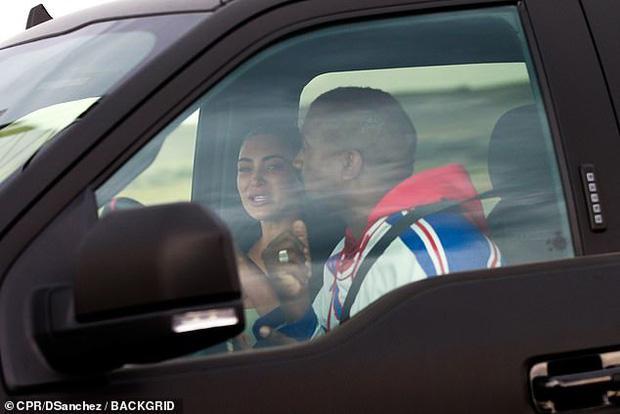 NÓNG: Kim Kardashian - Kanye West ly hôn sau 6 năm bên nhau?-2