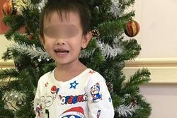Bé trai 3 tuổi bất ngờ đột quỵ trong lúc đang vui chơi với bạn