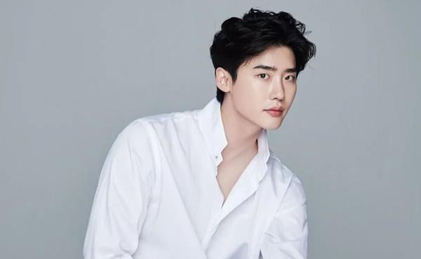 Gong Yoo, Lee Jong Suk được đề cử đóng cùng Song Hye Kyo, netizen cầu xin: Các anh chạy ngay đi-3