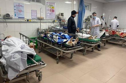 Tình trạng sức khoẻ của 8 công nhân trong vụ rơi thang tời công trình cao tầng